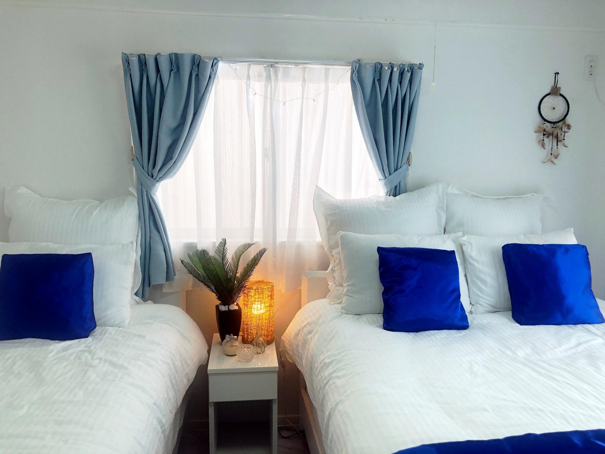 リゾート感あふれる寝室