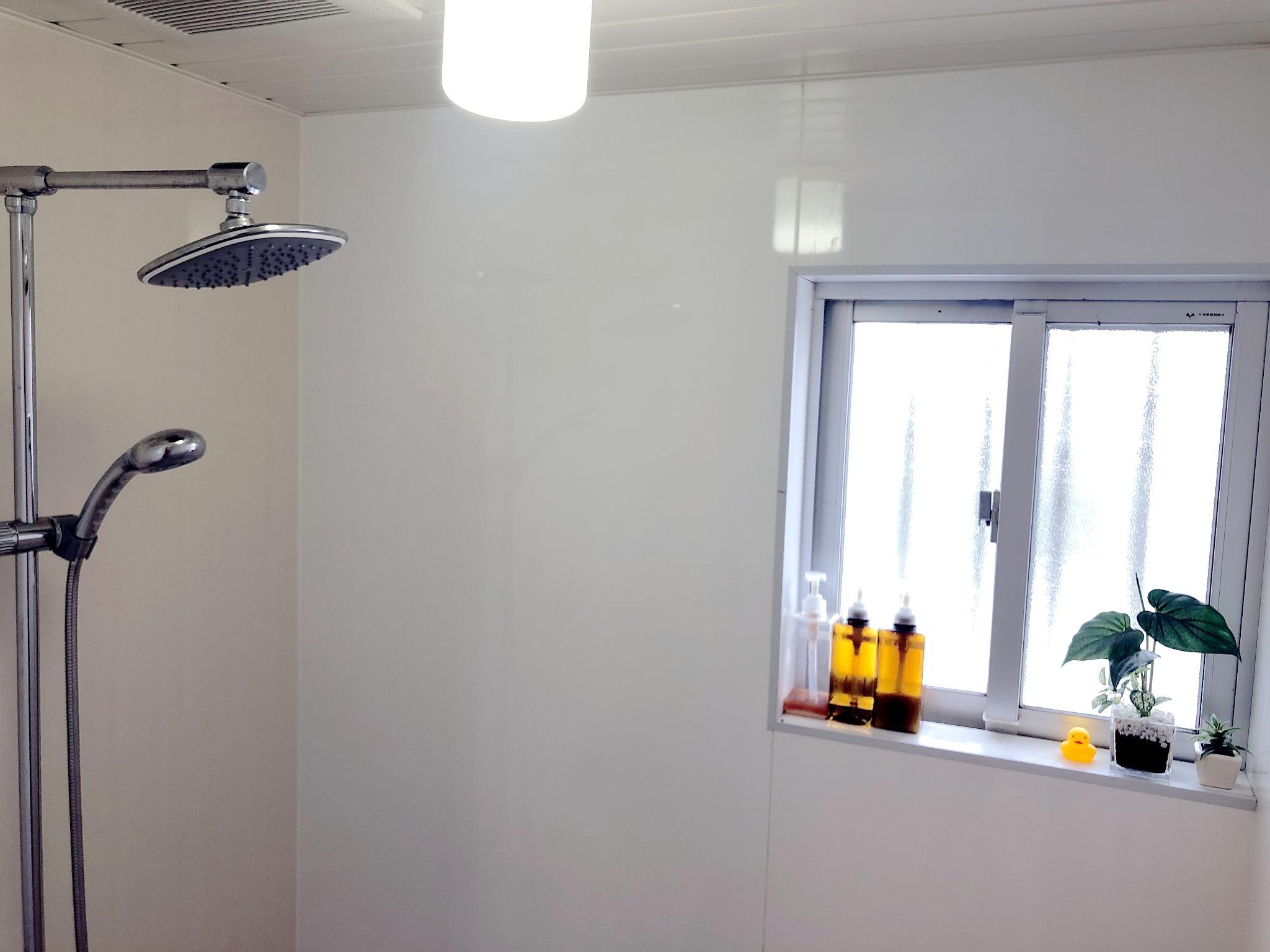 シャワールーム/ベビーバス完備