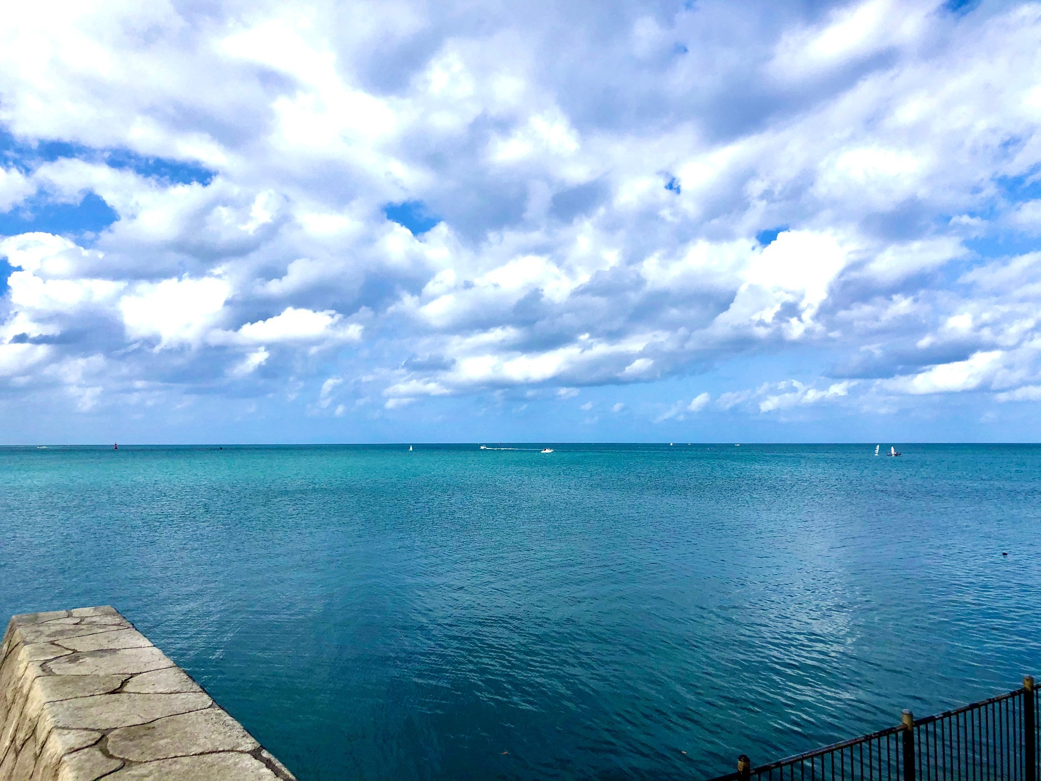 美しい海と空