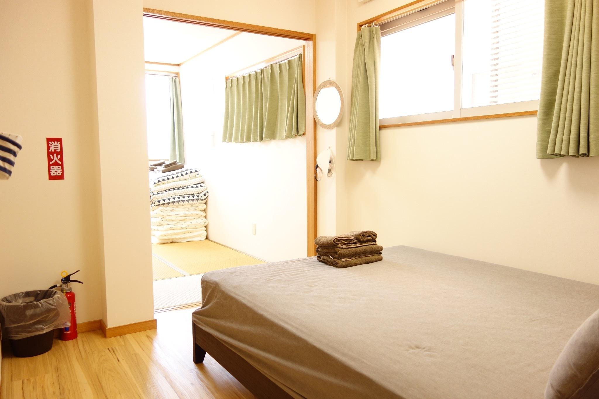 2階:広々洋室・和室・日当たり良好