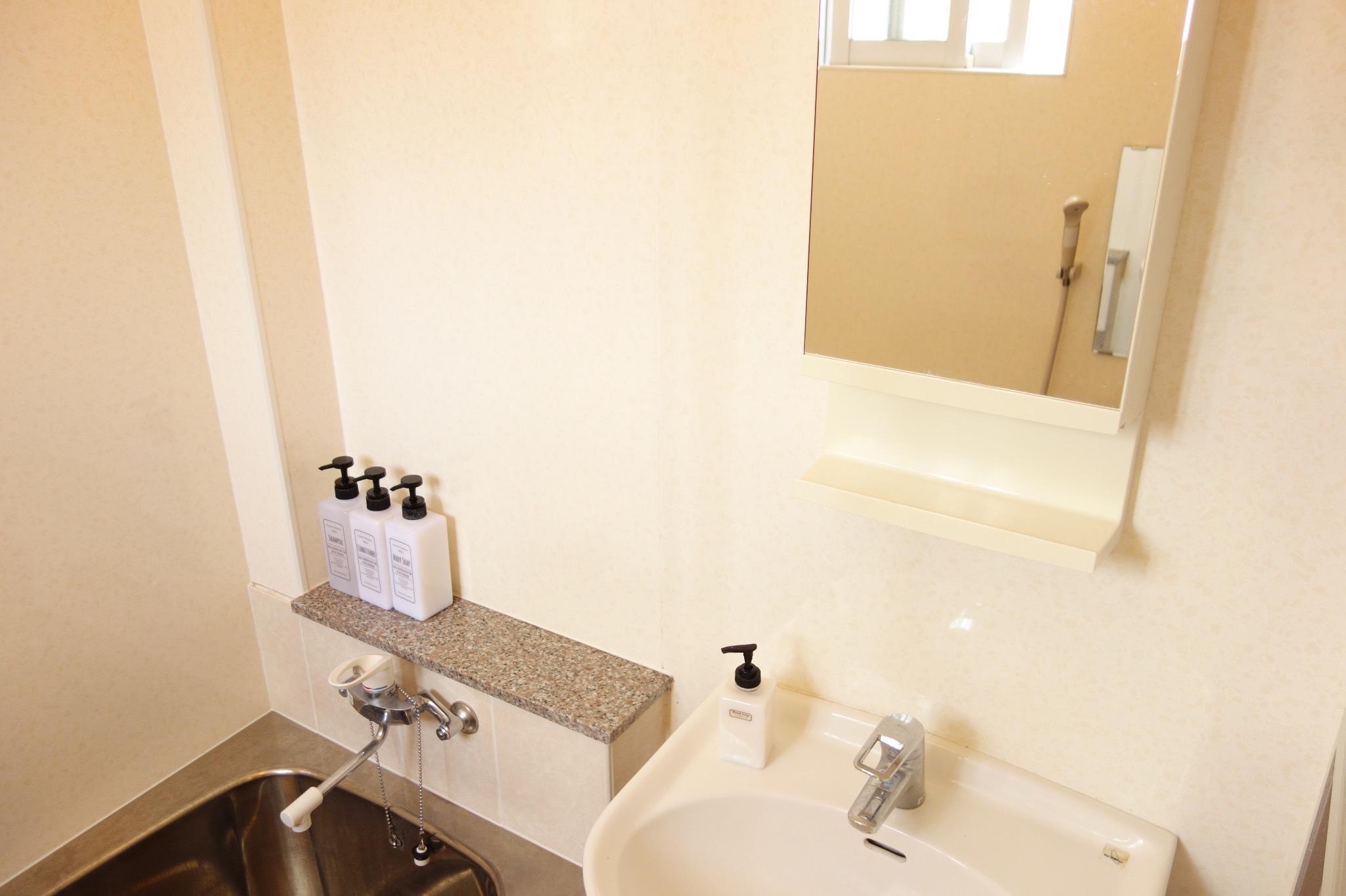 1階:広々洗面台