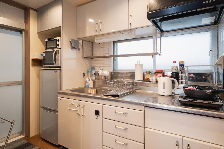 キッチンも広々、調理器具も充実!