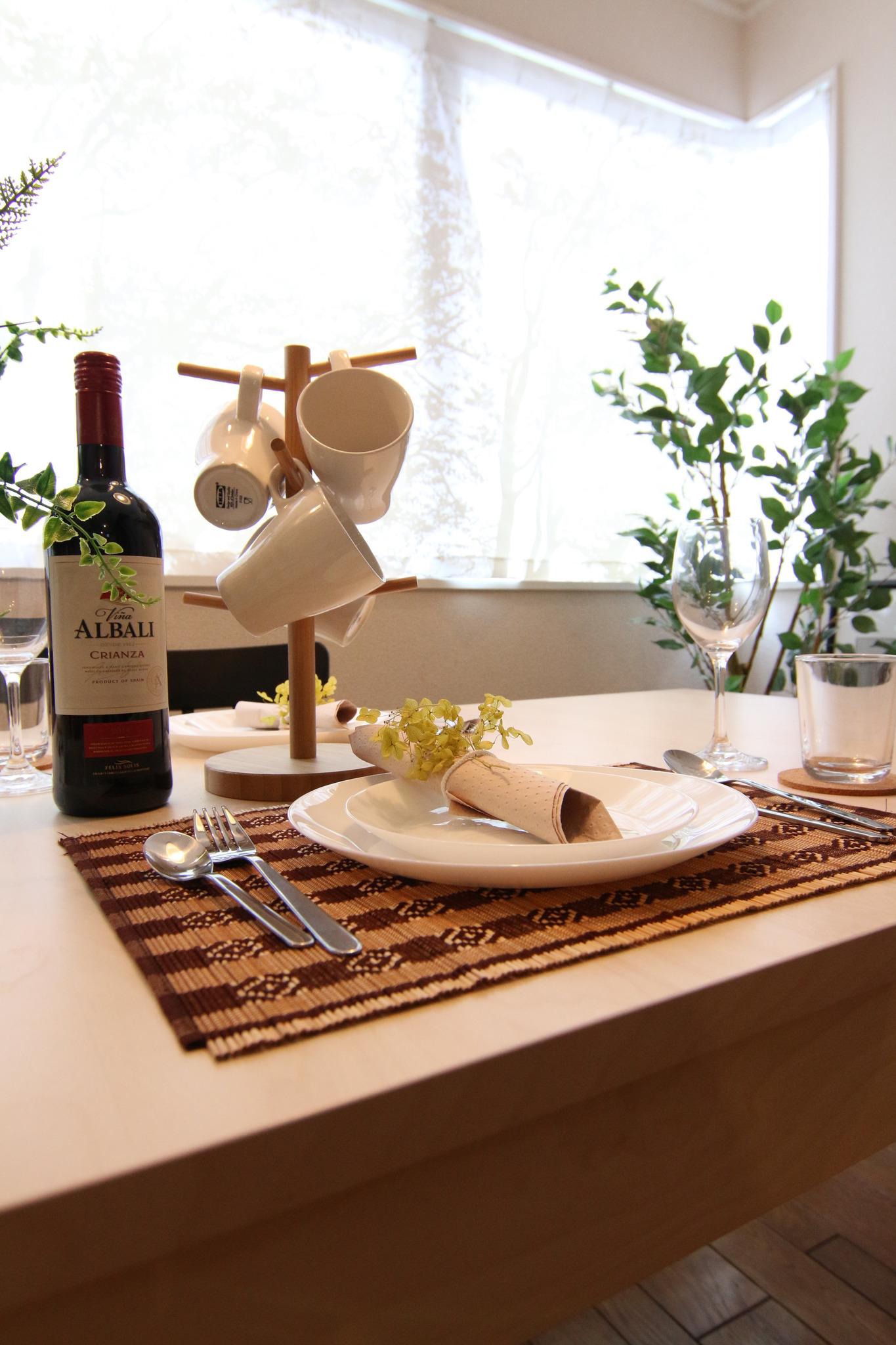 パーティー使いにも十分な食器などのアメニティを完備しております。