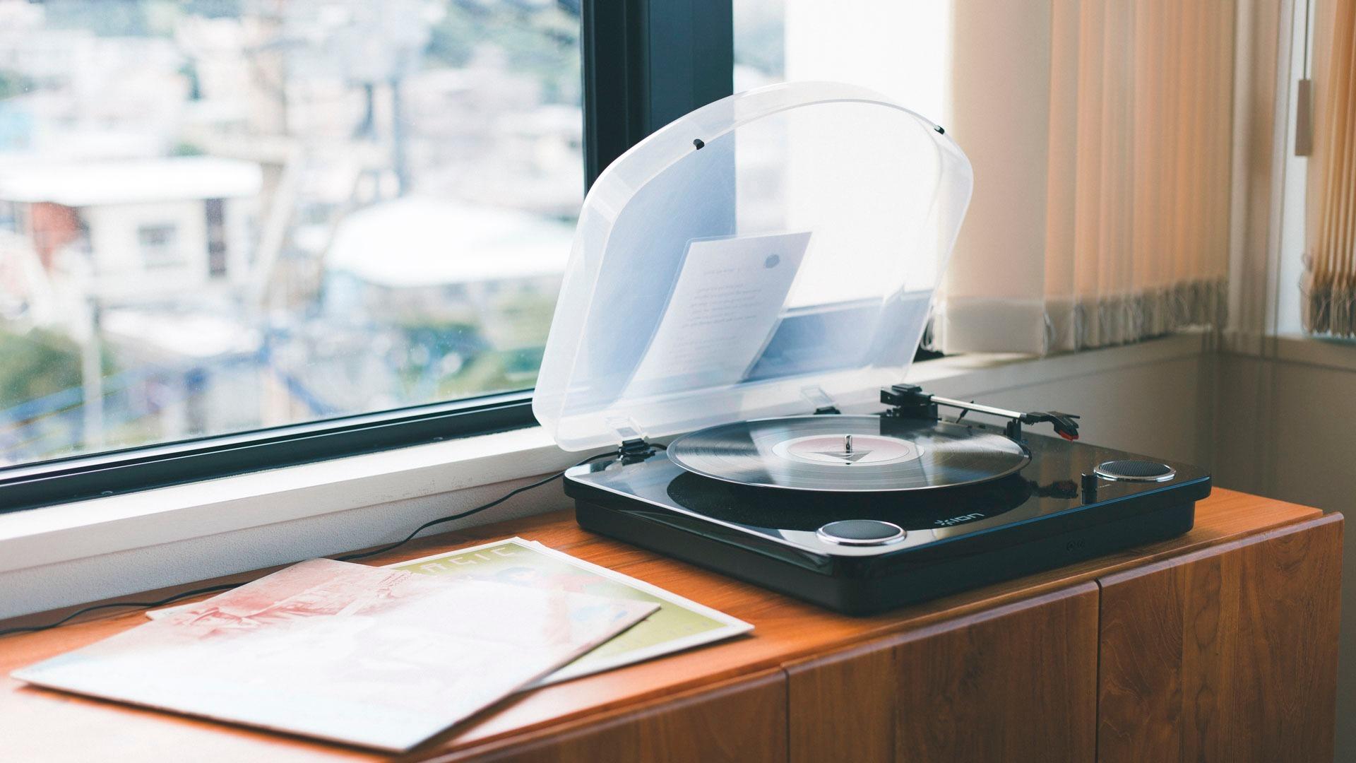 レコードならではの音を楽しんでください。