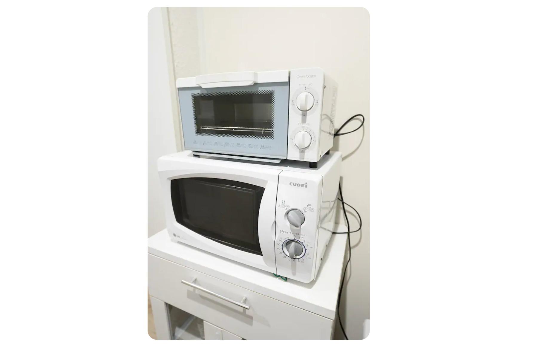 トースターと電子レンジ