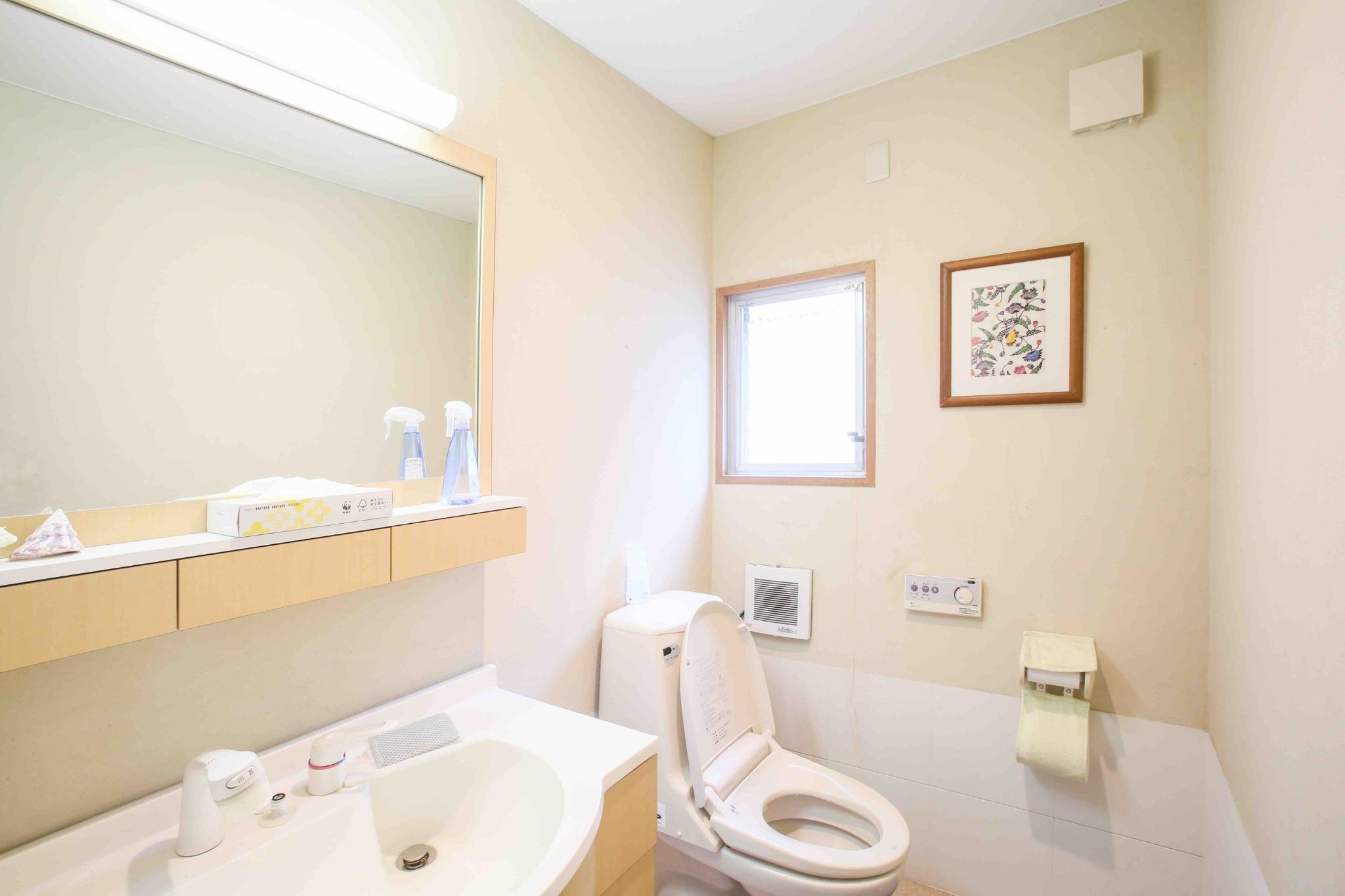 1階、2階 トイレ、洗面